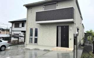 Brand New House in Quiet Residential Area!!